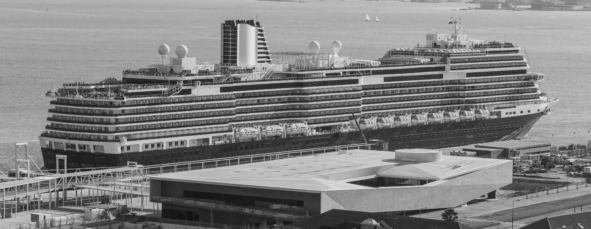 Navio de cruzeiro, Rio Tejo, Lisboa